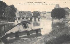 Meaux Les Bateaux Lavoirs Sur La Marne Coules A Meaux Par Les Allemands - Meaux