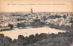 Niort La Place De La Breche - Niort