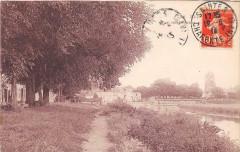 Saintes Quai Des Roches - Saintes