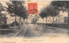 Vervins Entree Et Avenue De La Gare - Vervins