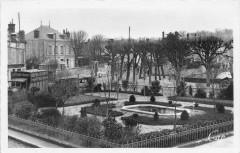 Nemours Le Square Pasteur - Nemours