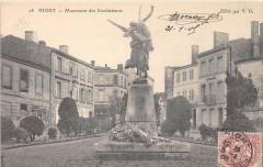 Niort Monument Des Combattants - Niort
