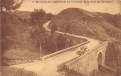 Environs De Laguiole Le Tournant Dangereux Du Bousquet - Laguiole