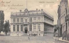 Bergues L'Hotel De Ville - Bergues