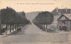 Joigny Entree De La Ville A La Sortie De La Gare - Joigny