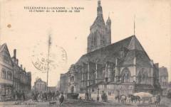 Villenauxe La Grande Eglise Et Arbre De La Liberte - Villenauxe-la-Grande