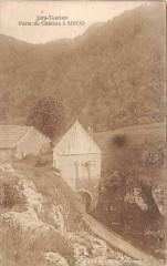 Porte Du Chateau A Sirod - Sirod