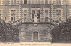 Poitiers College Saint Joseph La Vierge De La Terrasse - Poitiers