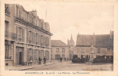 Angerville Mairie Monument - Angerville
