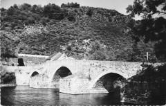La Vallee De La Sioule Pont De Menat Le Vieux Pont Gallo Romain - Menat
