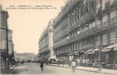 Paris IVe Rue D'Arcole Au Fond La Place De L'Hotel De Ville - Paris 4e