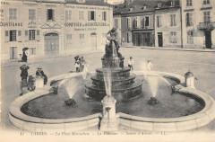 Tarbes La Place Marcadieu La Fontaine Source D'Amour - Tarbes