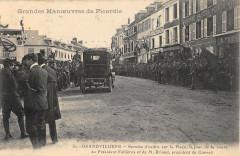 Grandvilliers Service D'Ordre Sur La Place Jour Visite President - Grandvilliers