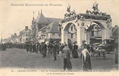 Grandvilliers Arc De Triomphe Eleve Honneur President - Grandvilliers