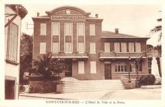 Saint Cyr Sur Mer L'Hotel De Ville Et La Poste - Saint-Cyr-sur-Mer