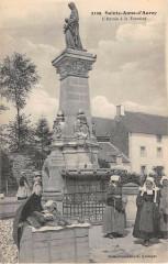 Sainte Anne D'Auray L'Entree A La Fontaine - Auray