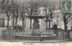 Montreuil Sur Mer Place Darnetal Et Jet D'Eau - Montreuil