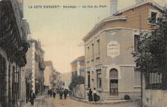 Hendaye La Rue Du Port (cpa toilée émaillée - Hendaye
