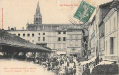 Beaumont De Lomagne Place Du Marche Cote Droit - Beaumont-de-Lomagne