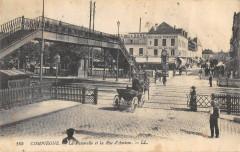 Compiegne La Passerelle Et Rue D'Amiens - Compiègne