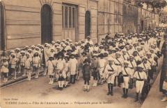 Vienne Fete De L'Amicale Laique Preparatifs Pour Le Defile - Vienne