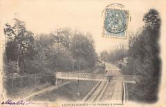 Louveciennes Le Passage A Niveau (dos non divisé) - Louveciennes