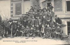 Montmoreau Ambulance De La Croix Rouge Groupe De Blesses (cpa rare - Montmoreau