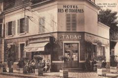 Ury Maison R.noland Hotel Des 6 Troenes (cpa rare - Ury