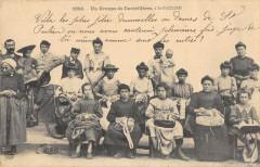 Un Groupe De Dentellieres A Saint Paulien - Saint-Paulien