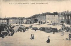 Mauvezin Place Du Trepoint Un Jour De Marche - Mauvezin