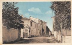 Montmirat Entree Du Village Cote Sud (cpa pas courante - Montmirat