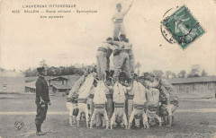 Billom Ecole Militaire Gymnastique Une Pyramide - Billom