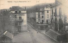 Volvic Place De L'Hotel De Ville - Volvic