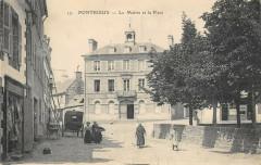 Pontrieux La Mairie Et La Place - Pontrieux