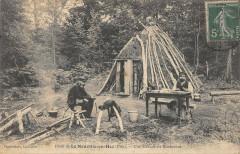 Foret De La Neuville En Hez Une Cabane De Bucherons - La Neuville-en-Hez