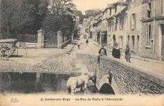 Juvisy Sur Orge La Rue De Paris Et Abreuvoir - Juvisy-sur-Orge