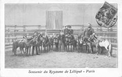 Paris XVIIe Souvenir Du Royaume De Lilliput Nains - Paris 17e