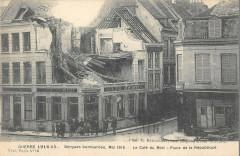 Bergues Le Cafe Du Midi Place De La Republique - Bergues
