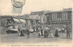 Luc Sur Mer Le Grand Bazar De La Digue Et La Breche Du Quiboc - Luc-sur-Mer