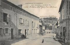 Mauzun La Grande Rue - Mauzun