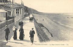 Villers Sur Mer La Digue Devant Le Casino - Villers-sur-Mer