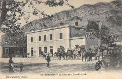 Sisteron La Cour De La Gare P.L.M. - Sisteron