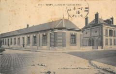Toury L'Asile Et L'Ecole Des Filles - Toury