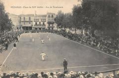 Pezenas Jeu Du Tambourin Place Du Xiv Juillet - Pézenas