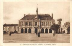 Neuville De Poitou La Place Joffre - Neuville-de-Poitou