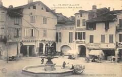 Villeneuve Sur Lot Les Cornieres Et La Place Du Marche - Villeneuve-sur-Lot