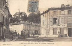 Clermont En Argonne Entree De La Place De La Republique - Clermont-en-Argonne