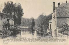 Noyers Sur Serein Le Serein En Aval Du Pont Du Faubourg - Noyers