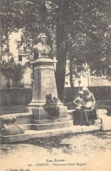 Embrun Monument Clovis Hugues - Embrun