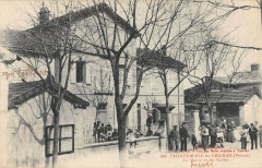 Chantemerle Les Grignan La Mairie Et Les Ecoles - Grignan
